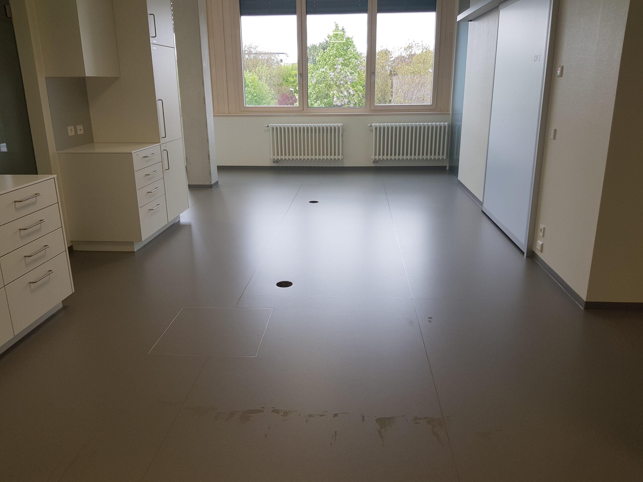 Kautschuk-Bodenbelag für Ärztehaus 5